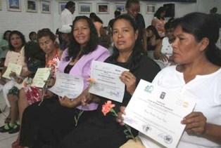 20121223144006-mujeres-cooperativas.jpg