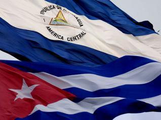 20130427110930-banderas-nicaragua-cuba.jpg