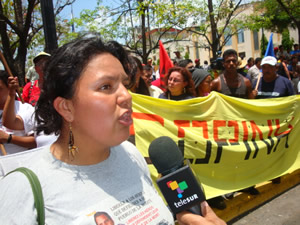 Honduras: Llamamiento de solidaridad nacional e internacional con Bertha Cáceres