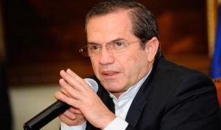 Canciller de Ecuador califica de vergonzoso el ZunZuneo anticubano