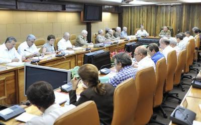 Generar un mayor crecimiento de la economía, meta en Cuba