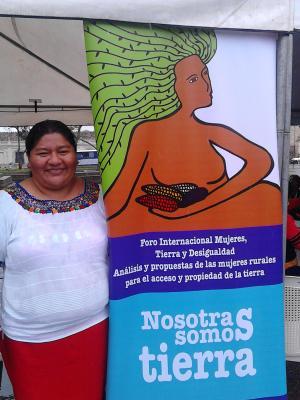 20151017051017-isabel-soto-mayedo.-coordinadora-red-muric-ma.-raquel-vasquez.-festival-nosotras-somos-tierra.-parque-central-guatemala-16-oct-2015-25-.jpg