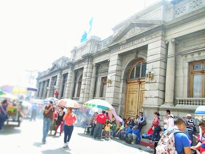 Poco entusiasmo y lluvias, desafíos para el balotaje en Guatemala