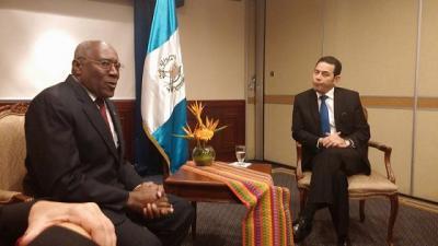 Presidente Morales reconoce aporte solidario de Cuba a Guatemala