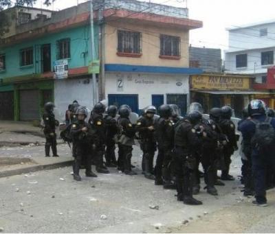Gases lacrimógenos y una veintena de heridos en protesta en Guatemala