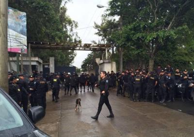 Disparos directos y cerca causaron muertos en cárcel de Guatemala