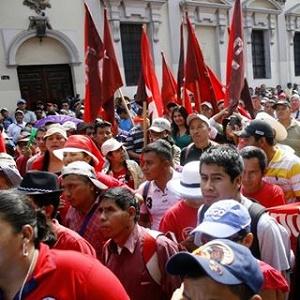 Trabajadores de la Salud salen a las calles en Guatemala