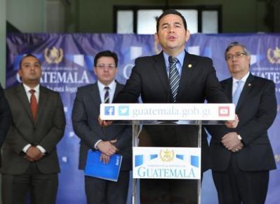 Aires de reforma tributaria soplan y avivan polémica en Guatemala
