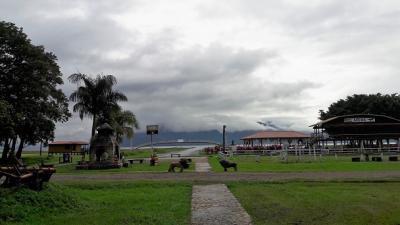 Honduras: la magia de un atardecer en el Lago de Yojoa