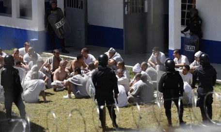Dos muertos por motín en reclusorio para jóvenes en Guatemala