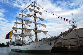 Buque insignia de la Armada de Colombia atraca en Guatemala